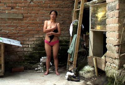 pornosex uitkleden voor de camera